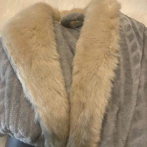 thesis Intimates & Sleepwear - Brand New Thesis Luxury Robe